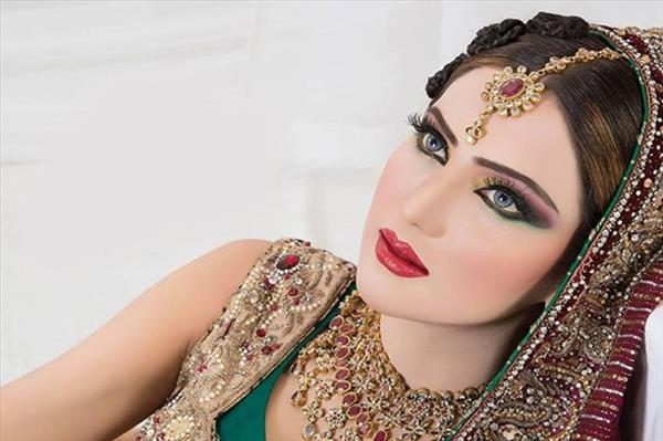 56% Off On Light Party Makeup @ Royal Steps - Chitrakoot - Jaipur Deal