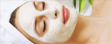 De Tan with Skin Whitening/Fruit Facial/Anti Acne (pimple) Facial + Hot Oil Massage with Hair Spa + Normal Hair Cut + Eyebrows